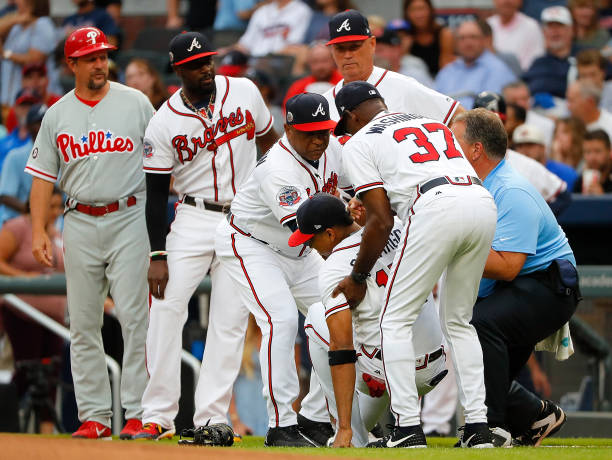 the best attitude 52920 1d0d9 Braves Shortstop Johan Camargo Suffers Hyperextended Knee in ...