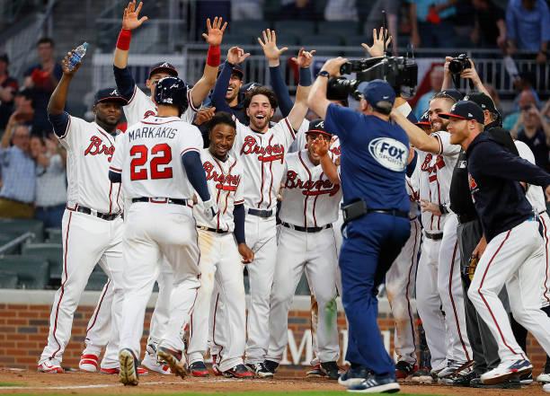 info for 51d91 40591 Atlanta Braves Comeback Kickstarts 2018 Season - Last Word ...