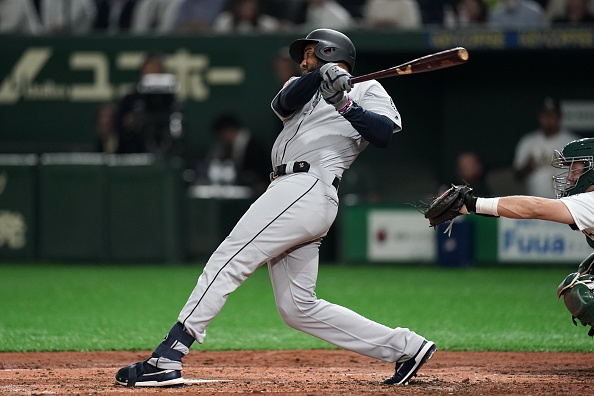 Cleveland Indians Sign Outfielder Domingo Santana