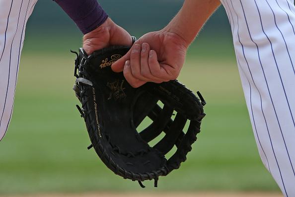 first baseman mitt