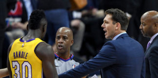 Luke Walton and Julius Randle