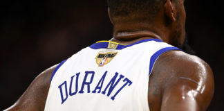 Kevin Durant agrees to re-sign
