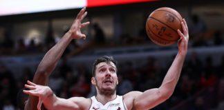 Goran Dragic picks up player option
