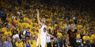 Klay Thompson will receive a max contract from the Golden State Warriors