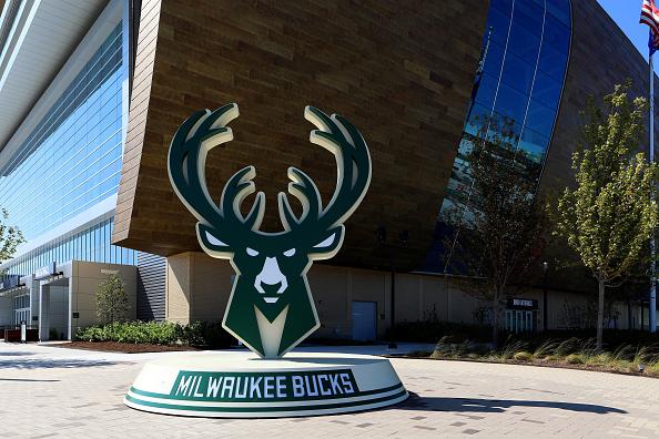 Milwaukee Bucks Eric Bledsoe