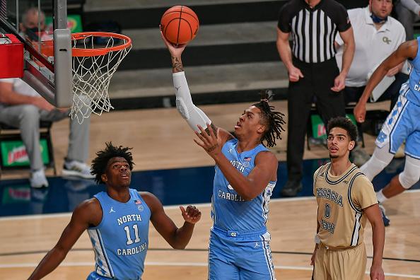 Clasificaciones de baloncesto universitario de pretemporada: # 15 North Carolina Tar Heels