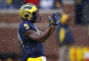 ANN ARBOR, MI - NOVEMBER 19: Jabrill Peppers #5 of the Michigan Wolverines waits for the opening kick off while playing the Indiana Hoosiers on November 19, 2016 at Michigan Stadium in Ann Arbor, Michigan. Michigan won the game 20-10. (Photo by Gregory Shamus/Getty Images)