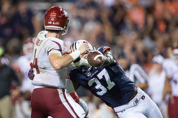 Defense Leads Auburn Over Arkansas