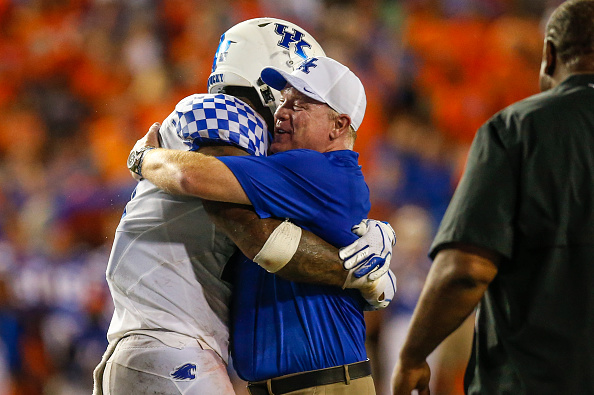 Kentucky Breaks The Streak By Beating Florida 27-16