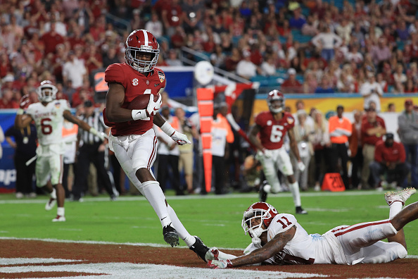 Crimson Tide Overcomes the Sooners' Comeback Attempt