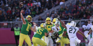 Oregon Ducks defeated the Michigan State Spartans