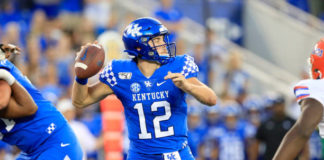 Kentucky blows another to Florida 29-21. After dominating most of the game the Wildcats couldn't seal the deal against the Gators.