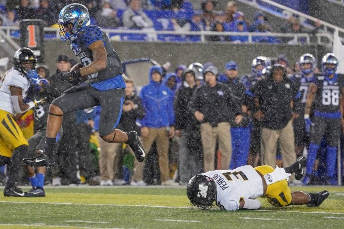 Kentucky Dominates Missouri 29-7