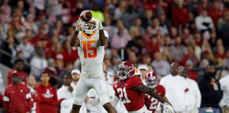 Vols Hang With Alabama