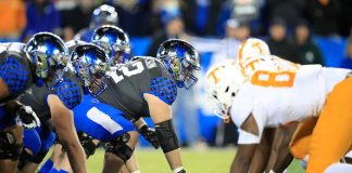 Kentucky Falls To Tennessee 17-13
