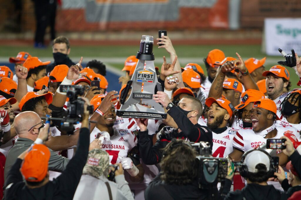 The UTSA Roadrunners and Louisiana Ragin' Cajuns faced off on the 26th. Read Louisiana Wins First Responder Bowl for more on the thriller.