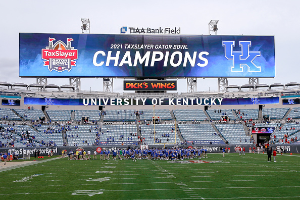 Kentucky Wins TaxSlayer Gator Bowl