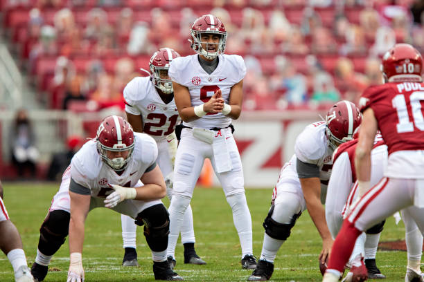 After three dominant quarterbacks, it is time for Bryce Young to take over as the starting quarterback for Alabama quarterback outlook in 2021.