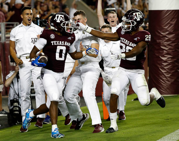 Texas A&M will face South Carolina at Kyle Field on Saturday night. Check out the key players and matchups in this game.