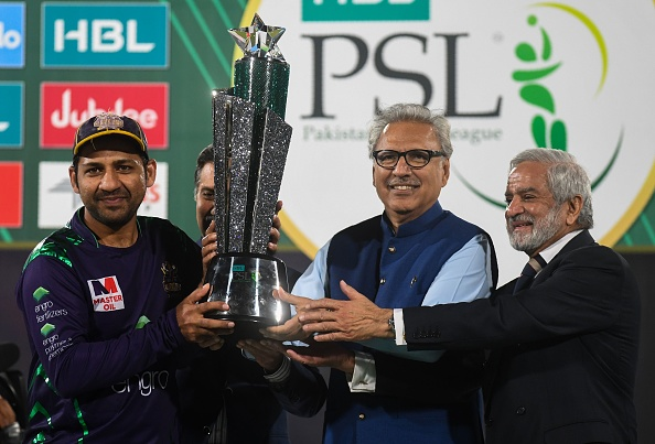 Sarfraz Ahmed celebrates winning the Pakistan Super League 2019 as captain of the Quetta Gladiators
