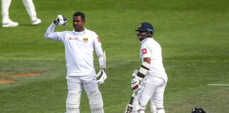 Angelo Mathews celebrates scoring a century vs New Zealand in a test match 2018
