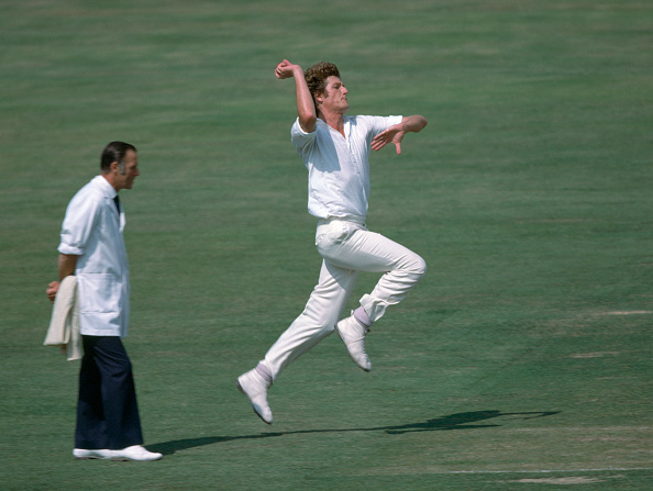 Bob Willis bowling for EnglBob Willis bowling for England in 1978 vs New Zealand