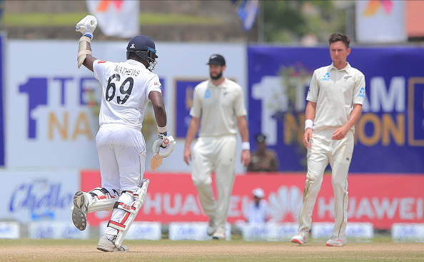 Angelo Mathews scores the winning run vs New Zealand in a test match