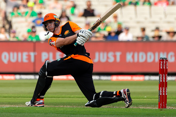 Cameron Green bats during a BBL game 2020