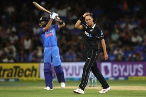 RCB vs MI post match twitter reactions - De Villiers, Finch and Padikkal fire