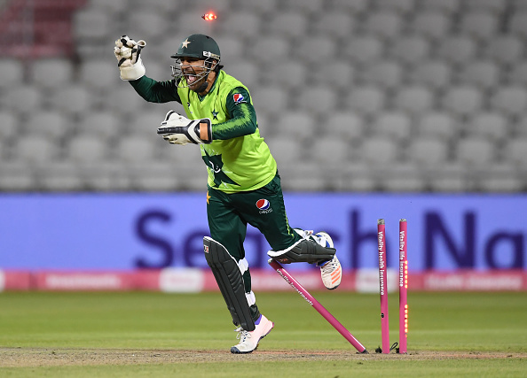 Sarfaraz Ahmed, the Pakistan cricket captain and wicketkeeper looks to have lost his place in the team due to the emergence of Muhammad Rizwan.