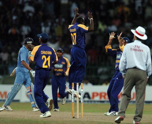 Sanath Jayasuriya has more ODI wickets than a famous bowler.