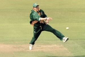Jonty Rhodes is the best fielder ever in world cricket.