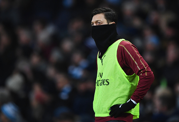 Arsenal's Mesut Ozil problem two-year contract policy