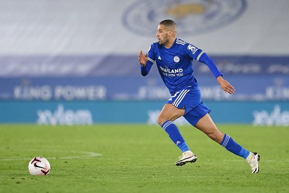 Lyon Sign Slimani