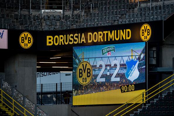Dortmund struggle