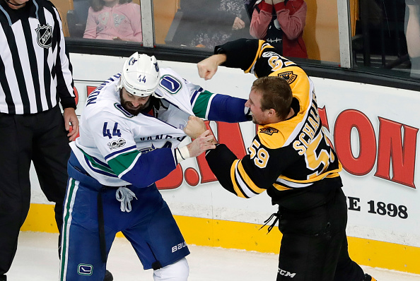 Vancouver Canucks dominate the Boston Bruins at home