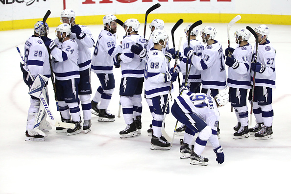 Stanley Cup Playoffs: Tampa Bay Lightning pulls even in East