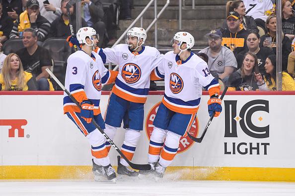 Robin Lehner New York Islanders Topple Pittsburgh Penguins In