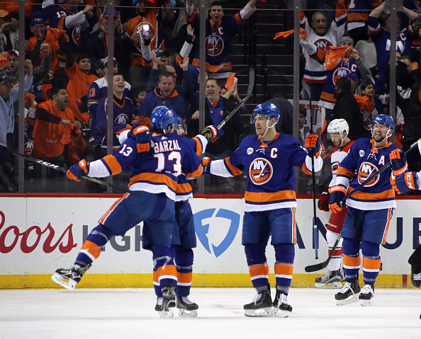 los angeles 42774 0c1fd New York Islanders Cal Clutterbuck Could Be Out Long Term