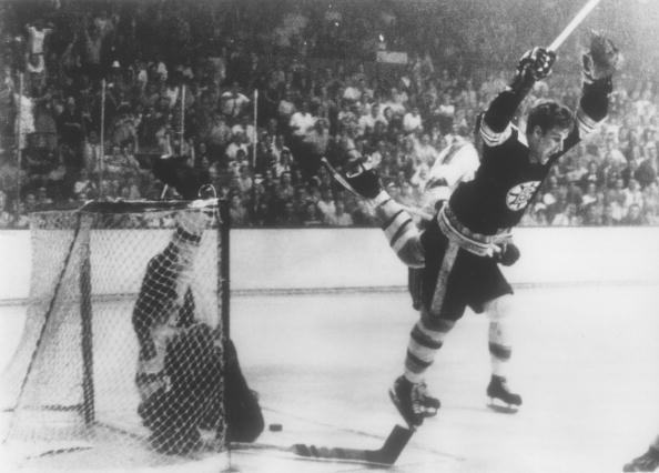 Bobby Orr iconic moment; Bobby Orr