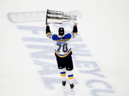 Oskar Sundqvist lifts the Stanley Cup.