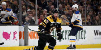 Headliner of recent NHL rumours, David Backes, skates during a game.