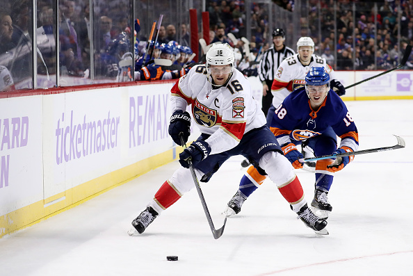 Alexsander Barkov of the Florida Panthers against the New York Islanders