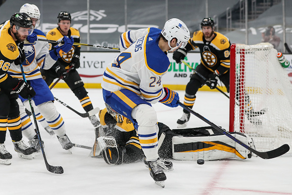 Gettyimages-boston-bruins-vs-buffalo-sabres
