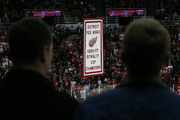 Red Wings Best Draft Class raising the 1997 Stanley Cup banner