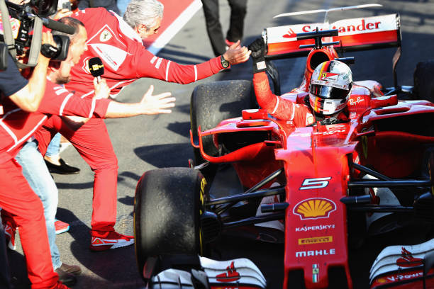 Sebastian Vettel Beats Lewis Hamilton to win the ...