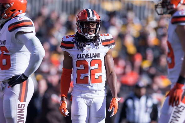 huge selection of 0afa1 6d6ec Cleveland Browns Reportedly May Switch to White Helmets ...