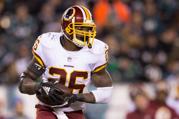 official photos 588ba 2e3cb Adrian Peterson Re-Signs With Washington Redskins - Last ...