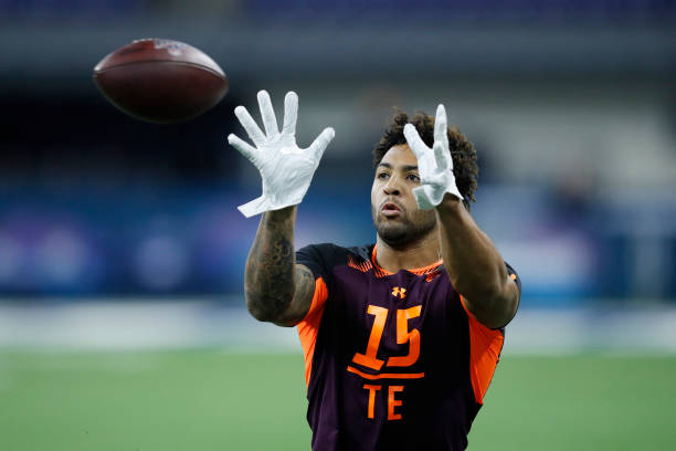 the latest 75fe0 0844c Irv Smith Jr.: New England Patriots 2019 NFL Draft Targets ...