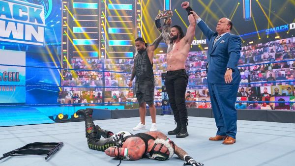 Roman Reigns Rey Mysterio Hell in a Cell